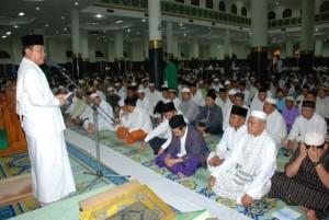 Permalink ke GALERI SAFARI RAMADAN 2009 GUBERNUR RIAU… Masjid Agung An-Nur Pilihan Pertama Gubernur