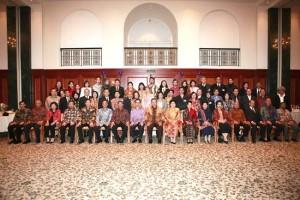 Permalink ke Gubri Dampingi SBY Bersilaturahmi dengan KBRI Jerman