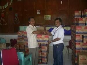 Bantu Korban Banjir di Pelalawan