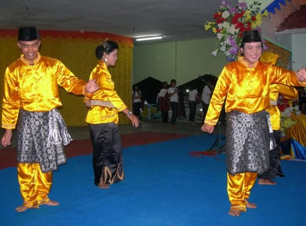 Makna Dan Lambang Pakaian Melayu Riauinfo