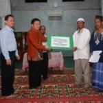 RAPP Serahkan Bantuan Masjid Rp 200 Juta