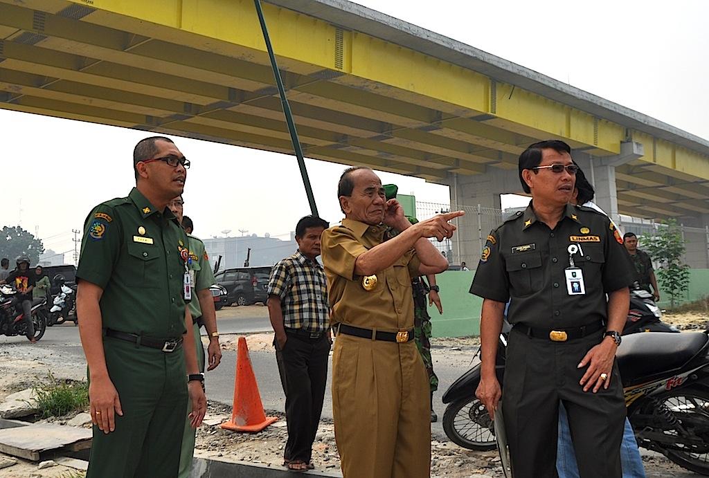 Permalink ke Galeri: Gubri Tinjau Progres Jembatan Siak IV