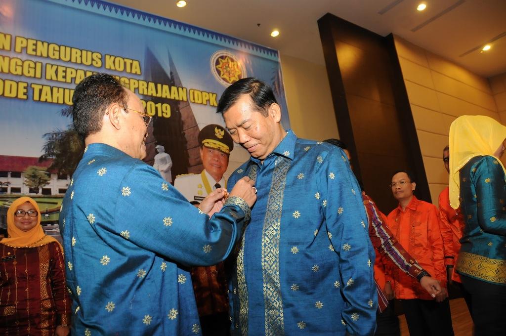 Permalink ke Galeri: Pj Gubri Hadiri Pelantikan DPK-IKAPTK Pekanbaru Periode 2014-2019