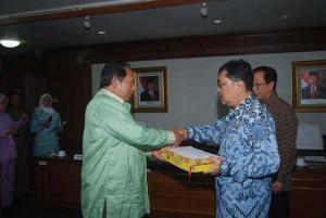 Permalink ke Penyerahan LAKIP, Riau Selalu Tepat Waktu