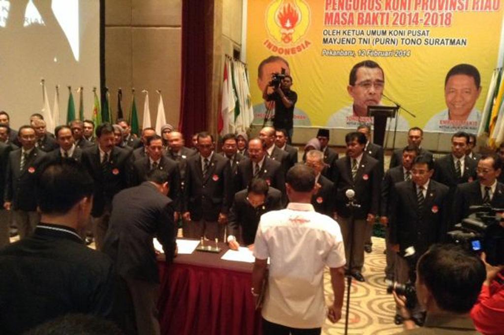 Permalink ke Ketua Umum KONI Pusat Lantik Pengurus KONI Provinsi Riau 2014-2018
