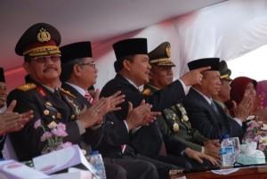 Permalink ke Galeri Peringatan HUT TNI ke 64 di Riau