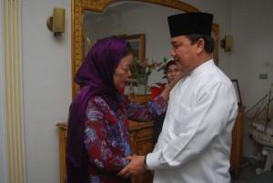 Permalink ke Rusli Zainal Melayat ke Rumah Duka Almarhum Soeripto