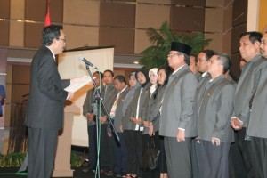 Permalink ke Mambang Mit Pimpin ISEI Pekanbaru