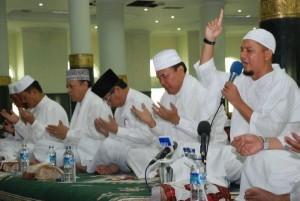 Permalink ke Dzikir Akbar Riau 2009 Dengan M.Arifin Ilham