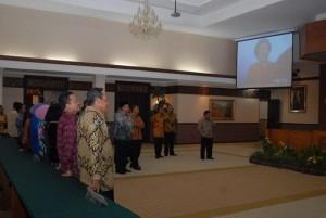 Permalink ke SEBELUM MAKAN MALAM… Mendagri dan Gubernur Riau Nonton 'Bareng' Debat Capres