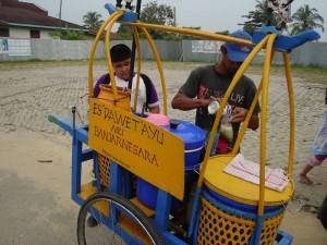 "Permalink ke Pedagang ""Es Dawet Ayu"" Menyerbu Kota Pekanbaru"