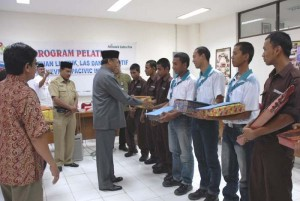 Permalink ke Pemuda Rohil dan Pekanbaru Selesaikan Pelatihan Kejuruan