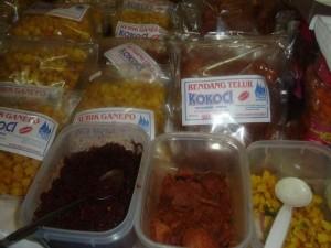 Permalink ke Makanan Serba Rendang di Stand Kabupaten Limapuluh Kota, Sumbar