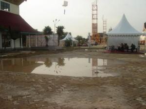Permalink ke Hujan Satu Jam, Arena Riau Expo Digenangi Air dan Lumpur
