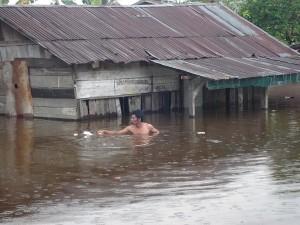 Permalink ke Banjir di Pekanbaru Telah Genangi 6.000 Unit Rumah