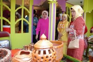 Permalink ke 80 Persen Produk di Bazar MTQ Riau di Siak Laku Terjual