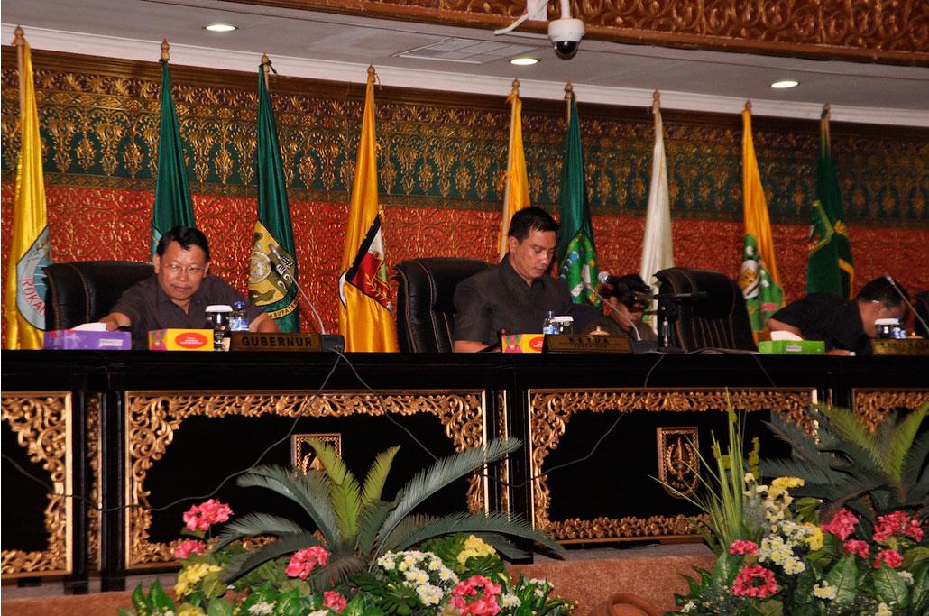 Sekda-Prov-Riau-Hadiri-Paripurna-DPRD--2