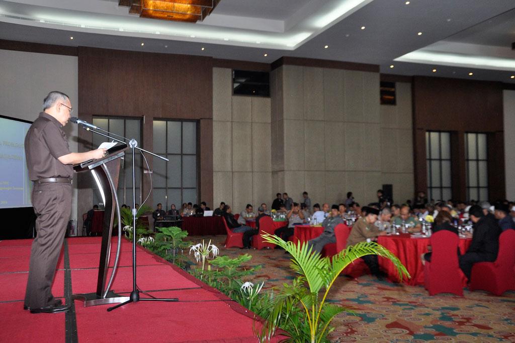 Seminar-Nasional-Pencegahan-Paham-Radikalisme-ISIS-di-Prov-Riau-1