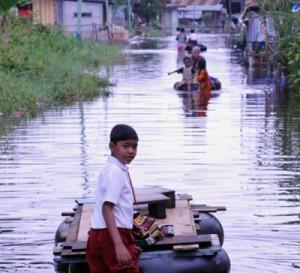 Permalink ke Korban Banjir di Rumbai Kesulitan Air Bersih