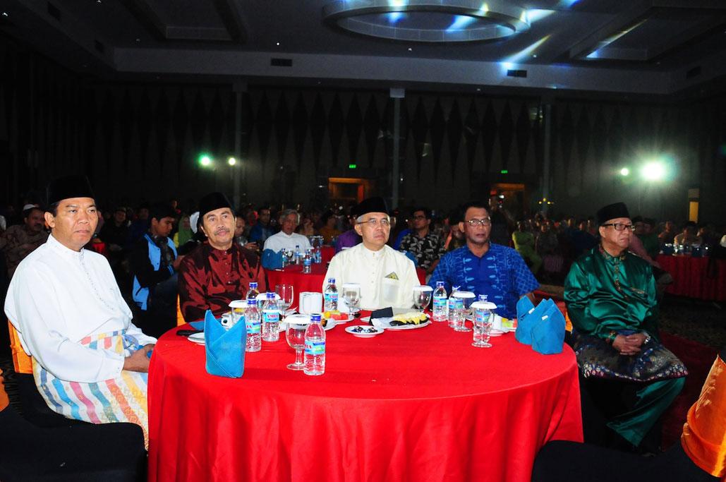 Plt Gubri Hadiri Anugerah Sagang 2014