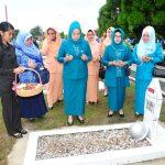 Tabur Bunga dalam rangka hari Ibu dan HKSN 2014
