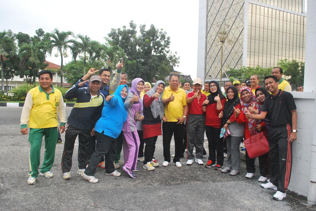 Jalan santai Karyawan Pemprov Riau