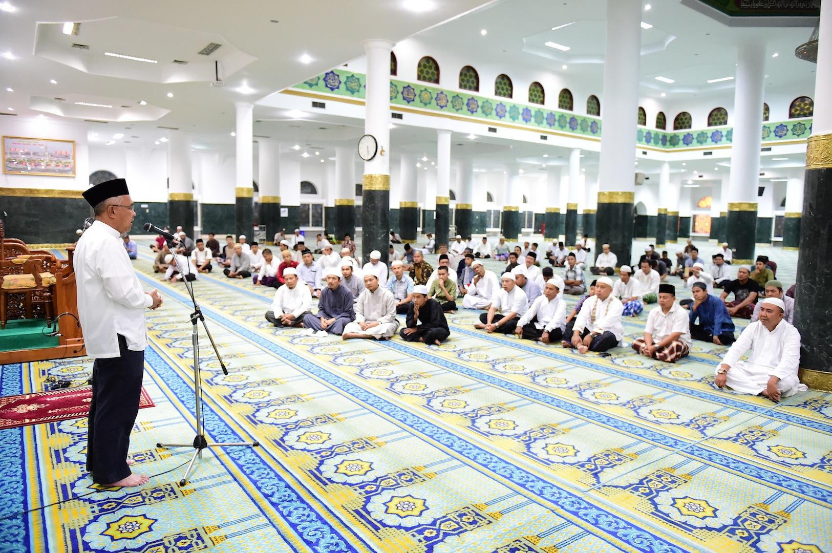 Permalink ke Gubri Hadiri Gerakan Subuh Berjamaah Nasional 1212 Masjid Raya Annur