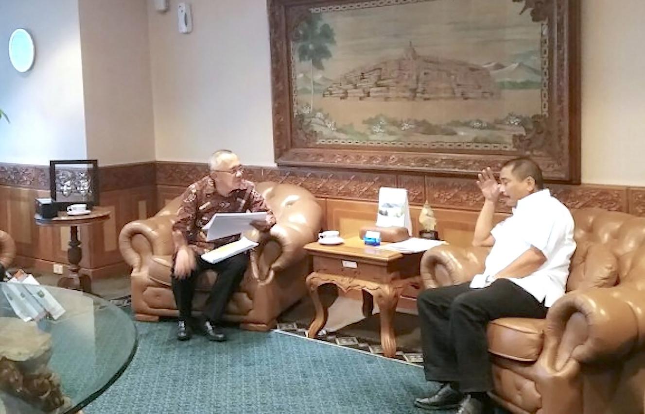 Gubernur Riau H.Arsyadjuliandi Rachman didampingi Kadis Pariwisata Fahmizal Usman Audiensi dengan Menteri Pariwisata RI Bapak Arief Yahya di Gedung Kementerian Pariwisata, Jakarta