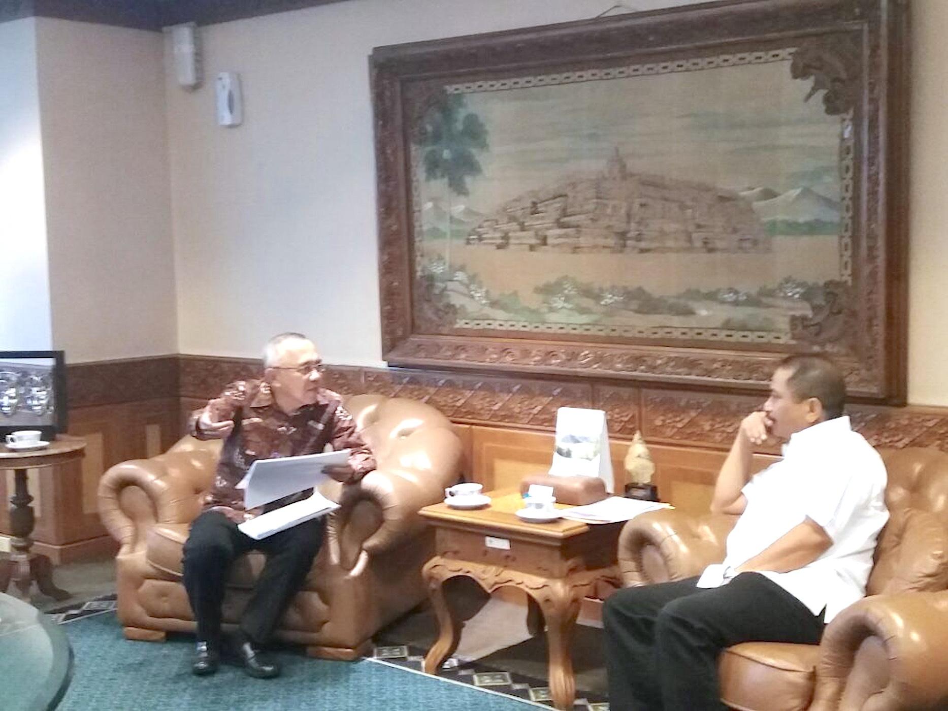 Gubernur Riau H.Arsyadjuliandi Rachman saat bersama Menteri Pariwisata RI Bapak Arief Yahya di Gedung Kementerian Pariwisata, Jakarta