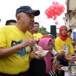 Gubri H Arsyadjuliandi Rachman Meninjau Kuliner Sarapan pagi di area CFD
