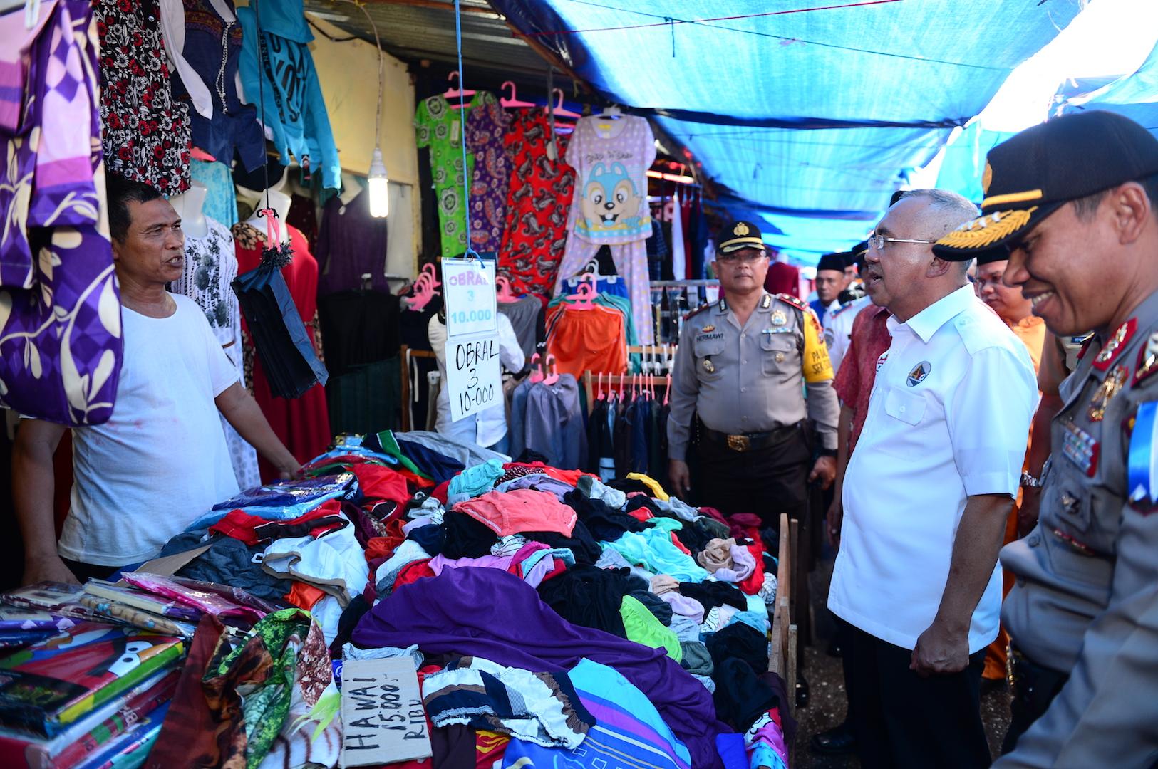 Permalink ke Gubri Sidak Harga Sembako di Pasar Cik Puan