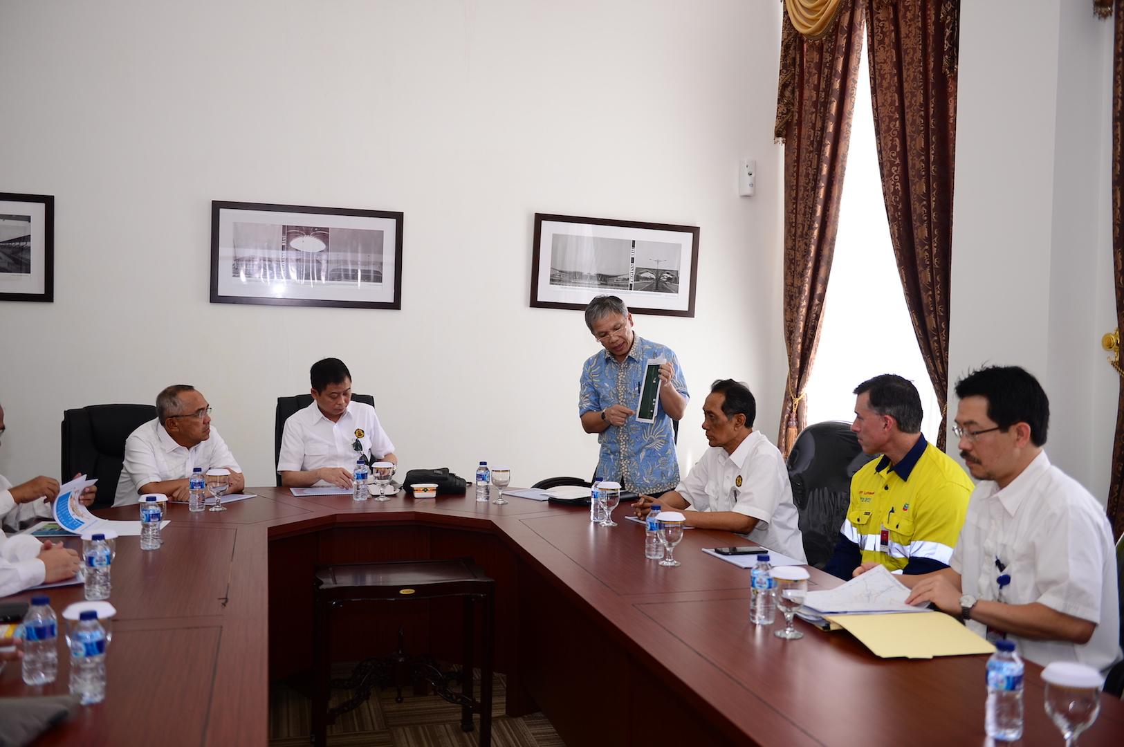 Permalink ke Gubri dampingi Menteri ESDM RI Rapat Terbatas dengan Instansi Terkait