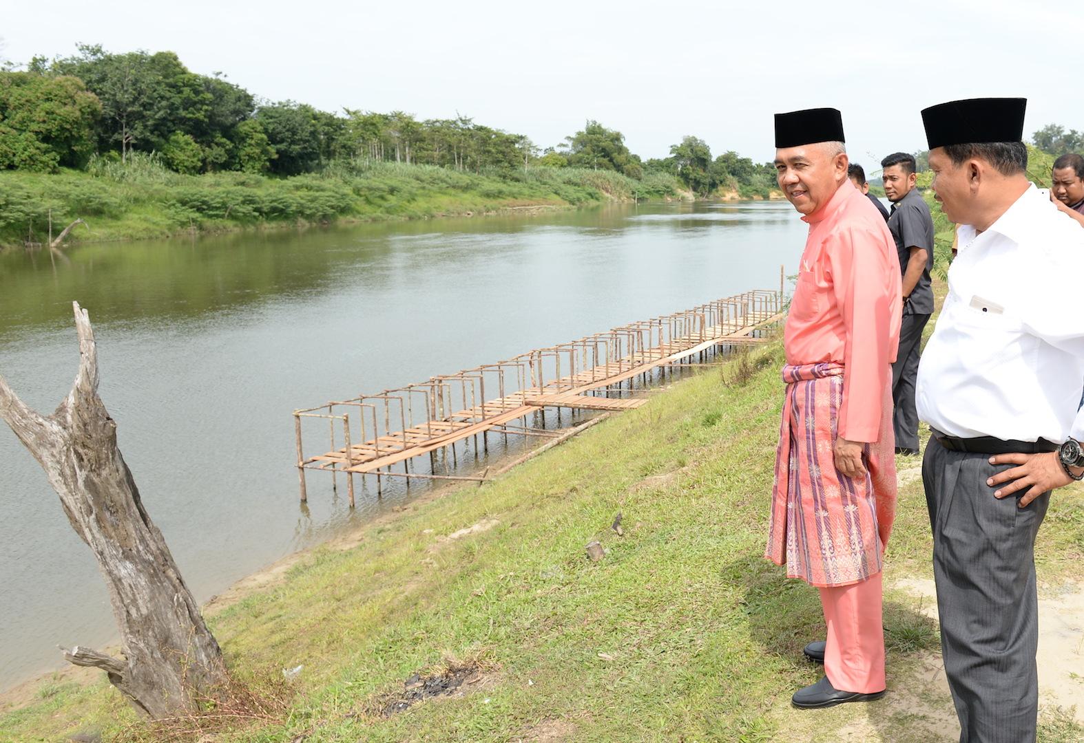 Permalink ke Gubri ditepian sungai saat berkunjung ke kompleks Candi Muara Takus