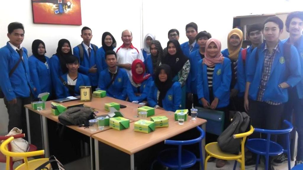 Kunjugan FIKOM UIR ke RiauInfo 2