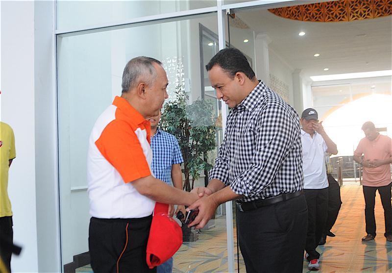 Permalink ke Galeri: Plt Gubri lepas keberangkatan Mendikbud RI di Vip Lancang Kuning SSK II