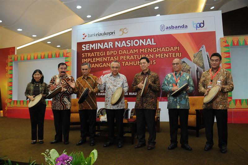 Seminar Nasional -Strategi BPD 2 (Custom)