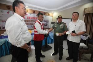Permalink ke Sejumlah Perusahaan Serahkan Bantuan Masker untuk Pelajar di Riau