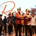 Menpar Luncurkan Calender of Event Riau 2016