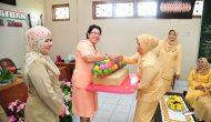 Permalink ke DPD GOPTKI Serahkan Bantuan Insentif Guru dan Alat Peraga Taman Kanak Kanak Lingkup GOPTKI Prov Riau