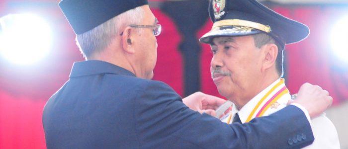 Gubri H Arsyadjuliandi Rachman Lantik Bupati dan Wakil Bupati Kab Siak di Balai Serindit Gedung Daerah.