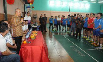 Permalink ke Gubri membuka Tournamen Riau Pos IKPTB Gong Xi Fa Cai Cup II