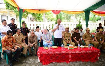 Permalink ke Gubri Tinjau TPS 64 Pilkada serentak di Jl. Neraca Kec. Marpoyan Damai Kota Pekanbaru