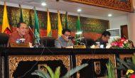 Permalink ke Galeri: Plt Sekda Prov Riau Hadiri Paripurna DPRD Tentang LKPJ Gubri Tahun 2015