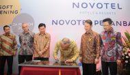 Permalink ke Galeri: Plt Gubri resmikan Soft Opening Novotel Hotel Pekanbaru