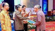 Permalink ke Diterima Wagubri, Riau Raih WTP 2014