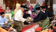 Permalink ke Merisik Pemberian Gelar Datuk Setia Amanah kepada Gubri oleh Lembaga Adat Melayu Riau
