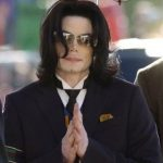 CD Bajakan Michael Jackson Masih laris Manis