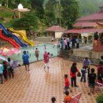 """""""Waterboom"""" Sawahlunto Dibanjiri Pengunjung dari Riau"""