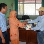 Riaupulp Serahkan Peralatan Olahraga Kepada SMAN 1 Kerinci