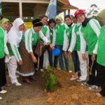 Warga Riaupulp Tanam 4000 Ribu Pohon dan Hijaukan Lingkungan